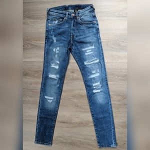 H&M | ripped skinny jeans | 28